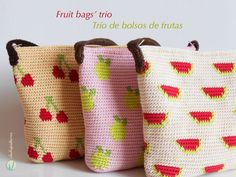 Chabepatterns: Fruit bags' trio/Trío de bolsos de frutas - free tapestry crochet patterns in English and Spanish with charts and video.