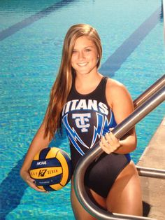Tay is waterpolo! TCHS