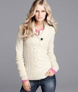 This sweater looks so comfy!