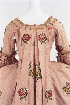 Robe a la francaise, 1760-70 From the Bunka Gakuen Costume Museum