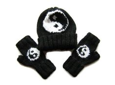 Knitted beanie and fingerless gloves set. Knit by ATLASKNITSHOP, $54.00