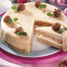Amaretto-Marzipantorte Amaretto marzipan and other recipes to discover DasKochrezept. Delicious Cake Recipes, Yummy Cakes, Sweet Recipes, Dessert Recipes, Desserts, Girl Party Foods, German Baking, Torte Recipe, Food Cakes