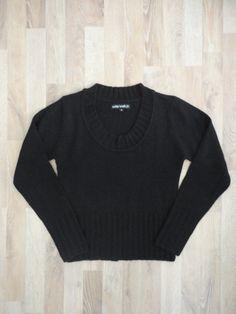 Sweater de lana negro, cuello redondo #IndexBasic #PocoUso #ModaSustentable. Compra esta prenda en www.saveweb.com.ar!
