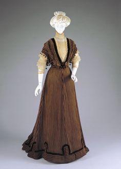 Afternoon Dress: Bodice And Skirt (1907-1908) .......... Place: Cincinnati, Ohio .......... Currently at Cincinnati Art Museum
