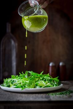 chive oil salad dressing by Katie Webster on Healthy Seasonal Recipes. It is a simple, vegan and gluten-free salad dressing that goes with spring greens, radishes, goat cheese and many more combinations. Gluten Free Salad Dressing, Salad Dressing Recipes, Salad Dressings, Salsa Verde, Chimichurri, Salad Bar, Soup And Salad, Vinaigrette Sans Gluten, Bette