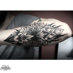 #armtattoo by @otheser_stc /// #Equilattera #Miami #Tattoo #Tattoos #Tat #Tatuaje #tattooed #Tattooartist #Tattooart #tattoolife #tattooflash #tattoodesign #tattooist #tattooer #tatted #tattedup #tattoooftheday #instatattoo #ink #inked #inkedup #art #linework #dotwork #blackwork #blackink #mandala #sacredgeometry #geometrictattoo  Posted by @WazLottus Tattoo shared by equilattera