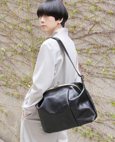 macromauro マクロマウロ Underarm, Leather Backpack, Palm, Backpacks, Shoe Bag, Bag Design, Vintage, Black, Frame