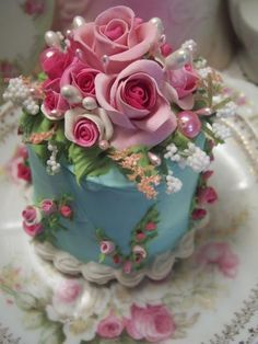Beautiful Desserts, Gorgeous Cakes, Pretty Cakes, Cute Cakes, Amazing Cakes, Fancy Cakes, Mini Cakes, Cupcake Cakes, Bolo Floral