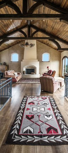 Southwestern Decorating Ideas: Stunning images of southwestern style rooms with tips on how to achieve this look by Interior Designer Tracy Svendsen. Southwestern Decorating, Southwest Decor, Southwestern Style, Style At Home, Best Home Theater, Log Homes, My Dream Home, Decoration, Beautiful Homes