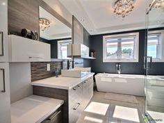 Bungalow, Double Vanity, Construction, Bathroom, Sous Sol, Shed, Bathroom Modern, Landscape Fabric, Building
