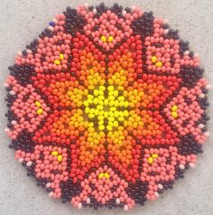Estrella picos..!! Beaded Lace, Beaded Flowers, Beaded Embroidery, Beaded Jewelry, Beaded Bracelets, Fabric Origami, Lace Earrings, Crochet Dolls, Bead Art