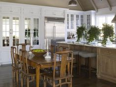 Traditional L-shaped Cream kitchen, maple/beach cabinets, Phoebe and Jim Howard,