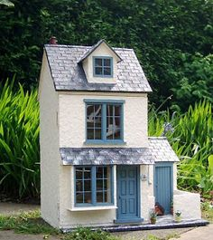 Julie's dolls house blog: 1/12th Scale 'Sea View' Cottage and Outbuilding
