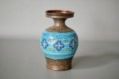 Excited to share the latest addition to my #etsy shop: BITOSSI Blu Vase, Bitossi CARTA FIORENTINA Series, Aldo Londi 1963, Bitossi Blue Vase, Made in Italy, Mid Century Italian Ceramic Vase http://etsy.me/2Ao1nTB #art #blue #brown #bitossivase #bitossiliberty #bitossibluebrown #b