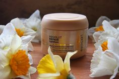 L`Oreal Absolut Repair Lipidium Masque #review #blog #blogger #bulgarian #l`oreal #professionel #mask #masque #hair #drugstore #haircare #routine #flowers #products #spring #beauty #damaged #hair #solution