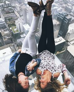 Chicago Sky Deck. Willis tower • p i n t e r e s t // @vivvianne