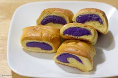 Pan de ube - aka - ube bread the super yummy Filipino bread with a sweet yam filling