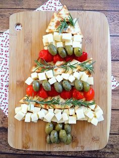 Serve up a Christmas Tree Cheese Platter with this holiday appetizer recipe.