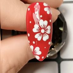 Beautiful white flowers nails,Simple nails art design videos Tutorials Compilation Part 1 nails nailart nailsdesign Rose Nail Art, Rose Nails, Flower Nail Art, Gel Nail Art, Nail Art Diy, Nail Flowers, Daisy Nail Art, Polygel Nails, White Nail Art