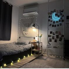 Room Design Bedroom, Small Room Bedroom, Room Ideas Bedroom, Study Room Decor, Small Room Design, Minimalist Room, Aesthetic Room Decor, Aesthetic Indie, Cozy Room