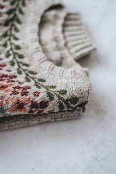The Birkin Sweater — Yellowish - Tuch Stricken Punto Fair Isle, Fair Isle Knitting, Sock Knitting, Knitting Machine, Vintage Knitting, Free Knitting, Birkin, Knitting Projects, Knitting Tutorials