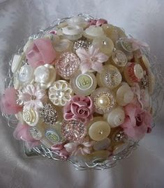 button bouquet - can make with ball-tipped straight pins into a styrofoam ball. A tray or bowl of these wold look cute on a table. Shabby Chic Christmas, Pink Christmas, Christmas Baubles, Vintage Christmas, Christmas Decorations, Christmas Tree, Button Bouquet, Button Flowers, Broach Bouquet