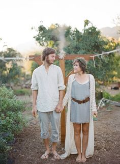 Boho style | love their style.  would be perfect for a garden engagement session