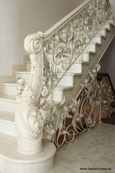 artistic forging of metal in Boston from the Tantiema - gates, stairs, fences, railings, balconies. Staircase Railings, Grand Staircase, Stairways, Banisters, Railing Design, Staircase Design, Luxury Homes Interior, Home Interior Design, Beautiful Architecture