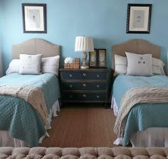 Cute guest room idea! Like the idea of pictures above the beds