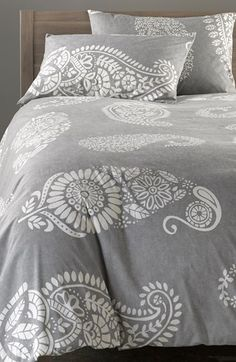 Free shipping and returns on Nordstrom at Home Paisley Duvet Cover at Nordstrom.com. Oversized paisley patterns add eye-catching vintage sophistication to a crisp cotton duvet cover that provides a refreshing update for your bedroom décor.