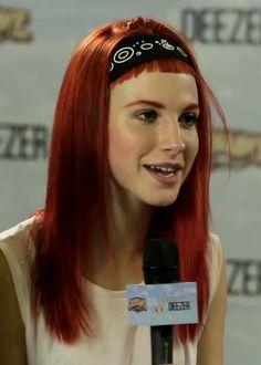 hayley-williams-hair-red-baby-bangs