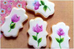 One stroke technique. Spring flower cookies..