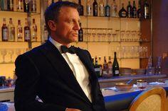 Film : casino royale daniel craig as james bond for further Rachel Weisz, James Bond, Casino Royale, Stephen Hawking, Daniel Craig 007, Craig Bond, Craig James, Z Cam, Casino Outfit