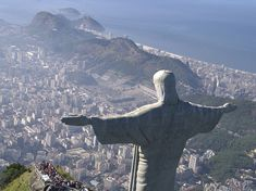 The Tallest Statues of Jesus Christ in the World ~ Kuriositas Christ The Redeemer Statue, Christ The King, Jesus Christ, Travel Around The World, Around The Worlds, Lightning Rod, Big People, Art Deco Movement, Priest