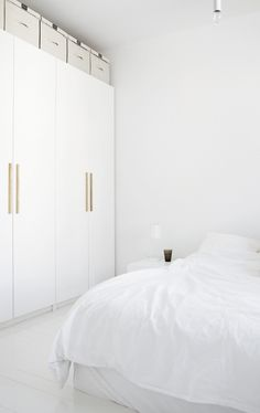 An all white bedroom, dreamy