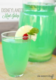Disneyland's Mint Julep - This Mint Julep is alcohol free and tastes refreshing, this green drink copycat is spot on!