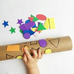 shape match with a recycled paper towel tube stickers marker awesome shape game for toddlers and preschoolers - PIPicStats Toddler Learning, Toddler Preschool, Toddler Crafts, Preschool Learning, Preschool Crafts, Crafts For Kids, Fun Crafts, Teaching, Infant Activities