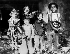 """(L to R)  1930's  Marylin Bourne,  George """"Spanky""""  McFarland, Jerry Tucker,  Scotty Beckett, Matthew  """"Stymie"""" Beard. From """"Our Gang"""" ,  """"Little Rascals"""""""