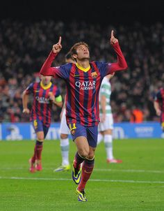 Neymar Photos - Neymar of FC Barcelona celebrates after scoring his team's goal during the UEFA Champions League, Group H match between FC Barcelona and Celtic FC at the Camp Nou Stadium on December 2013 in Barcelona, Spain. - FC Barcelona v Celtic Neymar Jr, Neymar Football, Soccer Fans, Soccer Players, Football Celebrations, Messi Goals, Fc Barcelona, Barcelona Catalonia, Uefa Champions League Groups