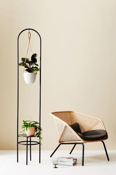 A beautiful, functional plant stand that encourages creativity with greenery. Elevate Arch features an upper hook to display a Braided Hanger (or a variety of plant hangers) while also offering a lower platform for additional plants or trinkets. House Plants Decor, Plant Decor, Plant Shelves, Wall Shelves, Metal Plant Hangers, Concrete Table Top, Hanging Scarves, Decoration Plante, Steel Furniture