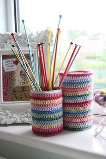 Crochet Jar Covers Free Pattern by Lucy Attic 24 Crochet Cozy, Love Crochet, Crochet Gifts, Ravelry Crochet, Loom Knitting, Knitting Patterns Free, Free Pattern, Crochet Patterns, Knitting Projects