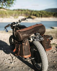 A faithful BMW a set of rugged luggage, and friends.⠀ What else do you need for an unforgettable adventure? Retro Motorcycle, Motorcycle Travel, Cafe Racer Motorcycle, Motorcycle Bags, Motorcycle Saddlebags, Bike Leathers, Nine T, Custom Cafe Racer, Bike Wear