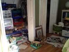 Do you have a problem with too much clutter? Organize Your Home in 7 Days.