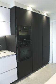 Mr & Mrs H, Bristol - ALNOPURE kitchen by Phil Harflett at The ALNO Store Bristol