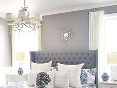 Un dormitorio que invita al relax a través de sus colores, en tonos grises y en el que todo está per... - Copyright © 2016 Hearst Magazines, S.L.