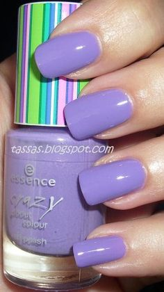 nails:'love the color