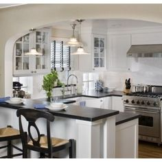 ♡ the archway. Wish I could do this to help separate the kitchen from the living room