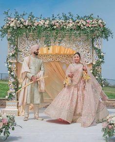 Buy Custom Made Indian Wedding dresses online for Bride & Groom. For Bridal Lehenga, Indian wedding Gown & Reception Wear, talk to our Bridal Designer. Sikh Wedding Dress, Punjabi Wedding Couple, Wedding Lehnga, Fairy Wedding Dress, Desi Wedding, Bridal Lehenga, Bridal Dresses, Punjabi Couple, Backless Wedding