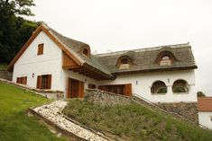 Szigliget - tervező: Mérmű Építész Stúdió Style At Home, Traditional House, Countryside, Cottage, Mansions, House Styles, Cabins, Houses, Decoration
