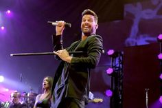 Ricky Martin revela en redes sociales que su nuevo disco sale en febrero  / AFP